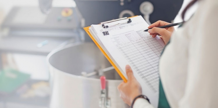 Entenda como reduzir os custos da produção de alimentos com a elaboração de fichas técnicas de produção de alimentos