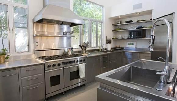 Como montar uma cozinha de pequeno porte gastando pouco