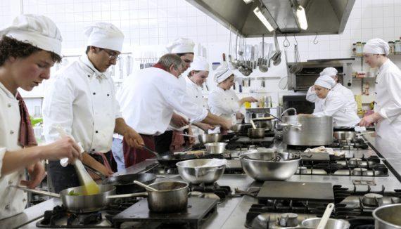 Vamos, agora, as dicas sobre como motivar uma equipe de cozinha!