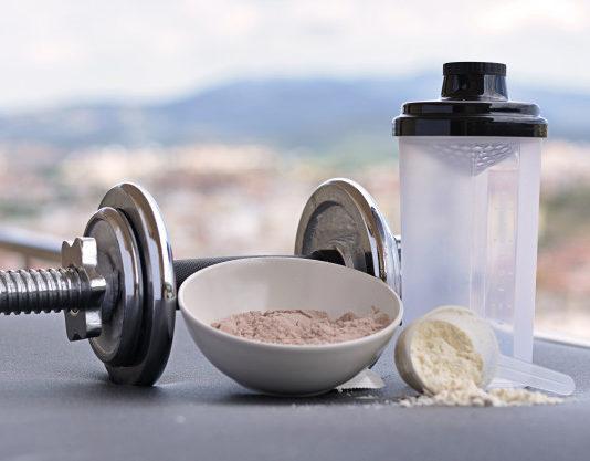 Problemas na tireoide - Aumento de peso - Acne e inchaço - 5 efeitos colaterais dos suplementos alimentares